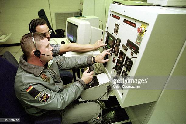 The education of a German Air Force soldier on a navigation simulator at the Naval Air Station in Pensacola/Florida