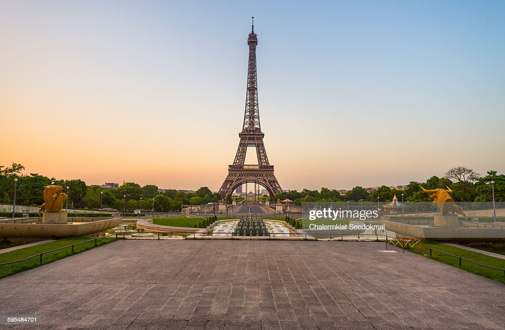 The Eiffel Tower in the early morning : Stock Photo