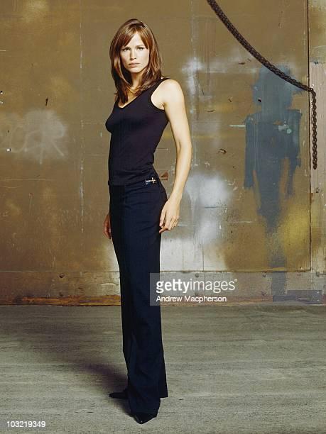 101062_0418 ALIAS The electrifying Emmy Award winning spy drama ÒAliasÓ returns for an emotionally gripping fourth season Jennifer Garner stars in...