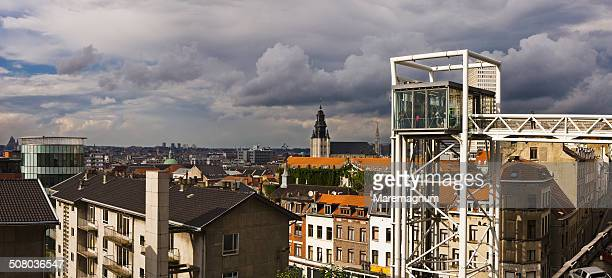 The elevator and the town, Brussels