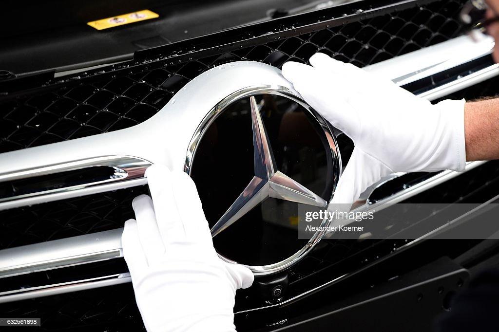 Mercedes-Benz Production At Bremen Factory : Fotografía de noticias