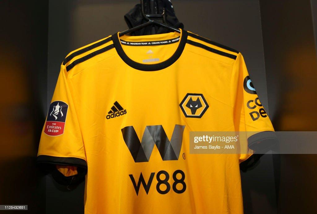 Bristol City v Wolverhampton Wanderers - FA Cup Fifth Round : News Photo