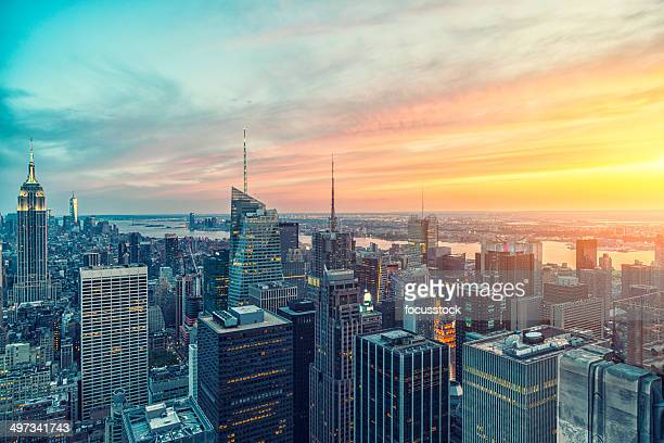 the empire state building and manhattan panorama in nyc - midtown manhattan stock pictures, royalty-free photos & images