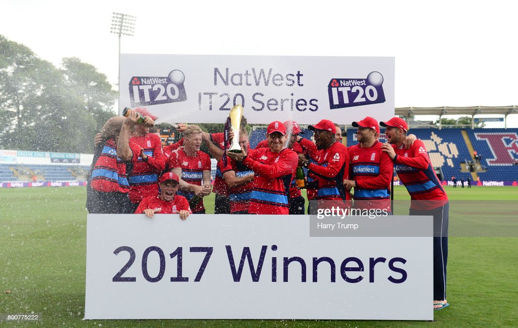 The England side pose with the trophy during the 3rd NatWest T20 International between England and South Africa at the SWALEC Stadium on June 25, 2017 in Cardiff, Wales.
