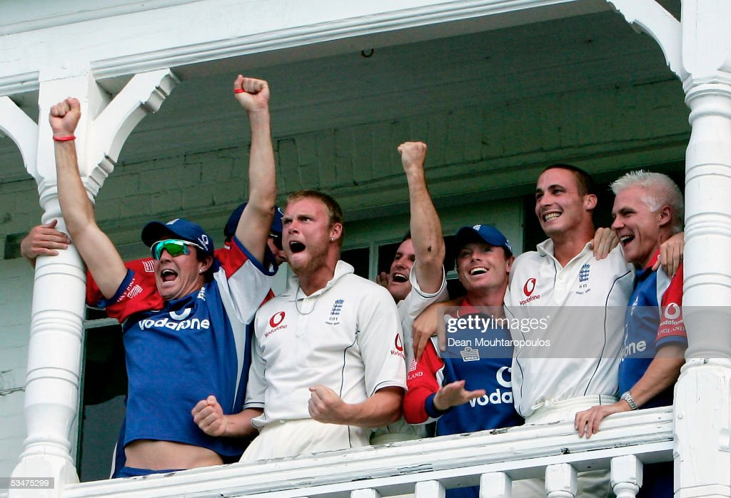 The England team celebrate winning the Fourth npower Ashes Test between England and Australia on August 28, 2005 played at Trent Bridge in Nottingham, United Kingdom.
