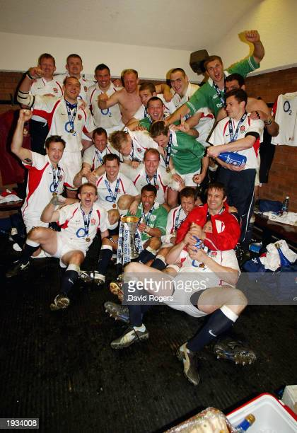 The England team celebrate winning the Grand Slam after the RBS Six Nations Championship match between Ireland and England held on March 30 2003 at...