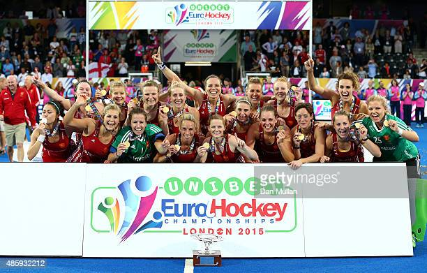 The England team celebrate with the trophy after victory during the EuroHockey Womens Gold Medal match between England and The Netherlands at Lee...