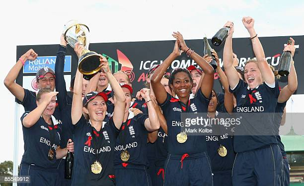 The England team celebrate with the trophy after winning the ICC Women's World Cup 2009 final match against New Zealand at North Sydney Oval on March...