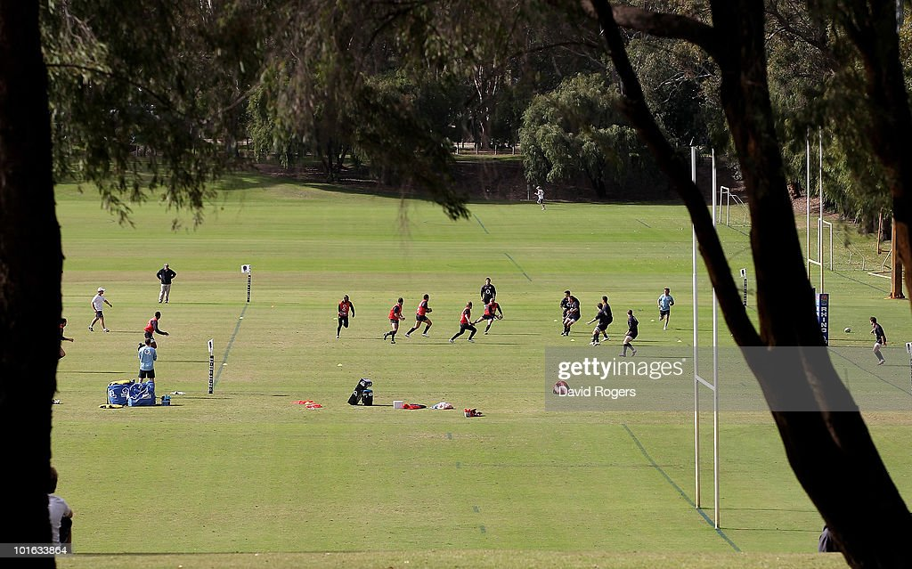 The England team run through practice their skills during a England rugby training session at McGillivray Oval on June 5, 2010 in Perth, Australia.
