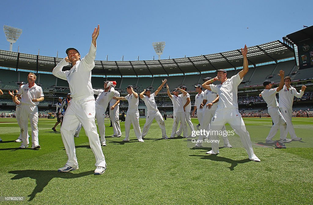 The English cricket team perform the sprinkler after winning the fourth test on day four of the Fourth Test match between Australia and England at Melbourne Cricket Ground on December 29, 2010 in Melbourne, Australia.