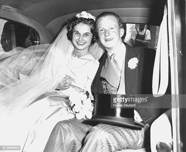 The English novelist and journalist Auberon Waugh son of the novelist Evelyn with his new bride Lady Teresa Onslow London 1961 | Location Warwick...