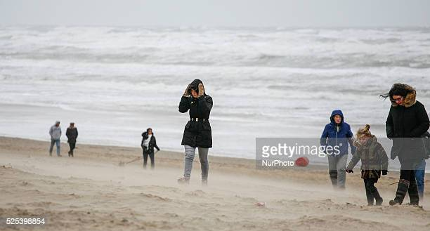 The entire weekend on January 11 2015 in The Netherlands winds of up to 90km per hour have been measured in most parts of the country Despite...