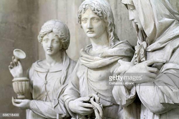 the entombment of christ. 16th century. statues of mary magdalene, st-john, virgin mary. - メアリー マグダレーン ストックフォトと画像