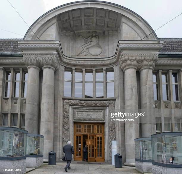 the entrance of biology department and botanic museum at zurich university - emreturanphoto - fotografias e filmes do acervo