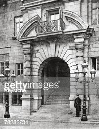 The entrance to New Scotland Yard, the headquarters of the Metropolitan Police on Victoria Embankment, 1891. Designed by architect Richard Norman...