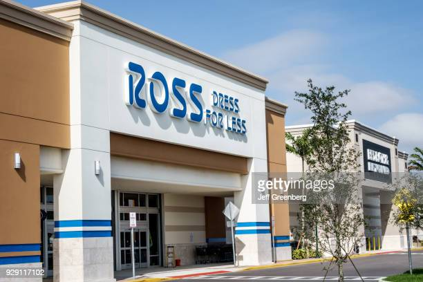 The entrance to Ross Dress For Less.