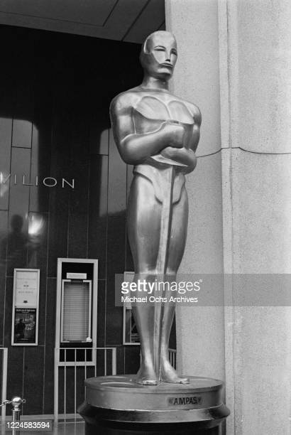 The entrance to the Dorothy Chandler Pavilion in Los Angeles during the 57th Academy Awards, 25th March 1985.