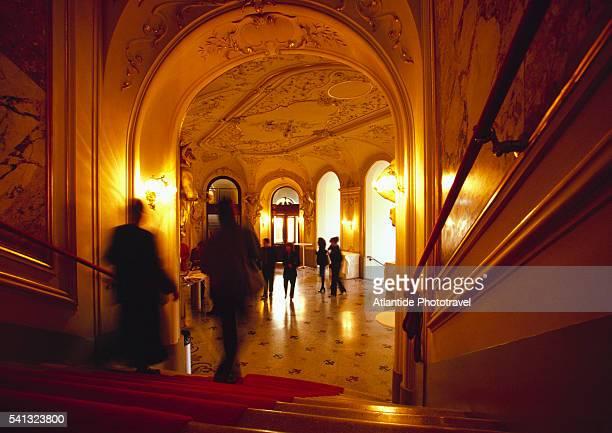 the entrance to the opera - opernhaus stock-fotos und bilder