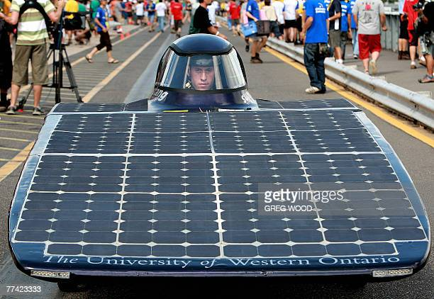 The entry from the Sunstang Solar Car Project of Canada, waits to start a qualifying lap at the World Solar Challenge in Darwin, 20 October 2007. The...