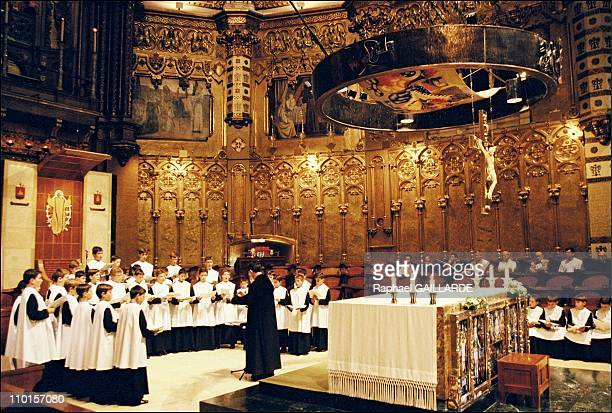 The escolania of the abbey in Spain in September 2000 The young singers in the basilica of Montserrat