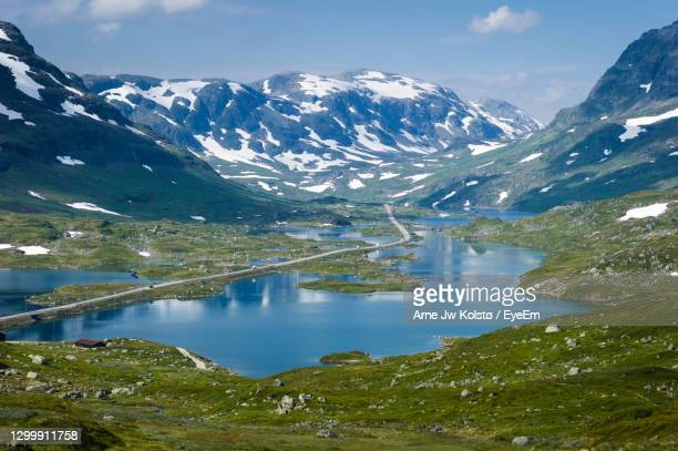 the european route e134 over the mountain area haukelifjell, norway - arne jw kolstø stock pictures, royalty-free photos & images