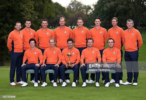 The European Team, back row L-R: Sergio Garcia, Martin Kaymer, Lee Westwood, Peter Hanson, Ian Poulter, Justin Rose, Nicolas Colsaerts, Paul Lawrie,...