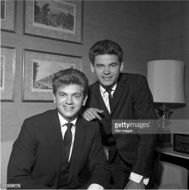 The Everly Brothers Phil Everly and Don Everly posed 1960