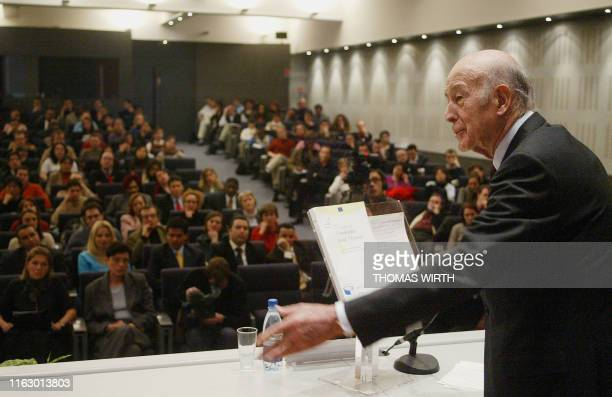 The ex French president Valéry Giscard d'Estaing gestures during a speech for the Simone Veil promotion of the National School of Administration The...
