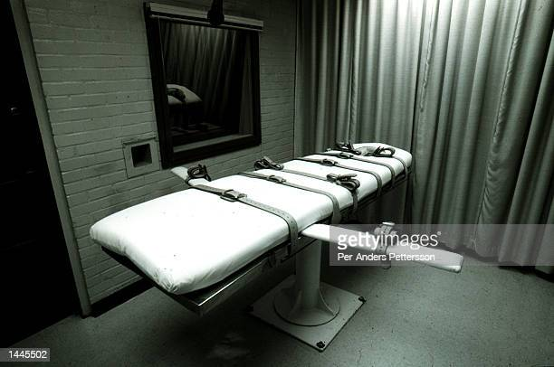 The execution bed sits empty on Death Row April 25 1997 at Texas Death Row in Huntsville Texas About 450 prisoners are on the Row Texas has the most...