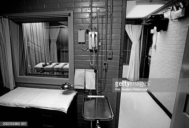The execution chamber on Texas Death Row seen from a back room on April 15 1997 at Ellis Unit in Huntsville Texas USA Texas has about 450 prisoners...