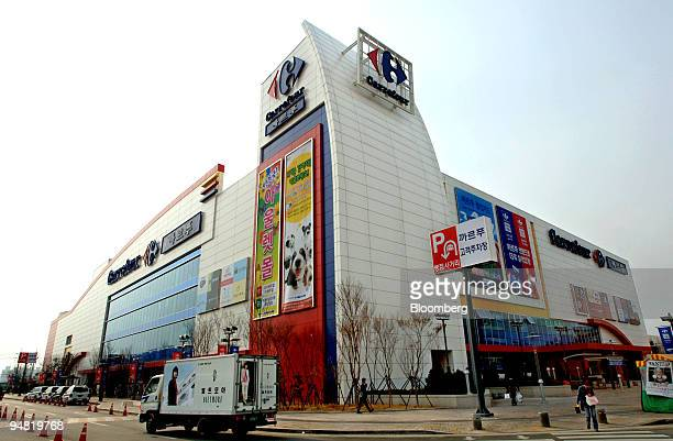 37 Carrefour Korea Pictures Photos Images Getty Images