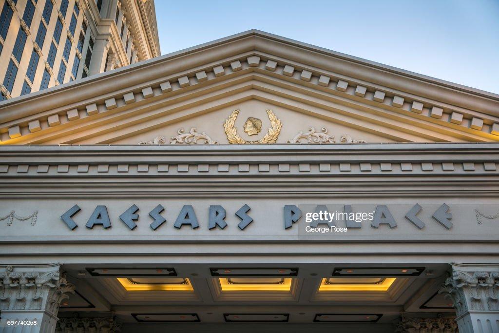 Tourism & Conventions Drive Las Vegas Economy : News Photo