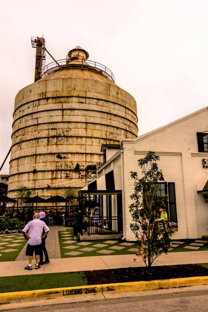 WACO, TX, USA  MARCH 18, 2017: The exterior of Silos Baking Company with silos in the background.