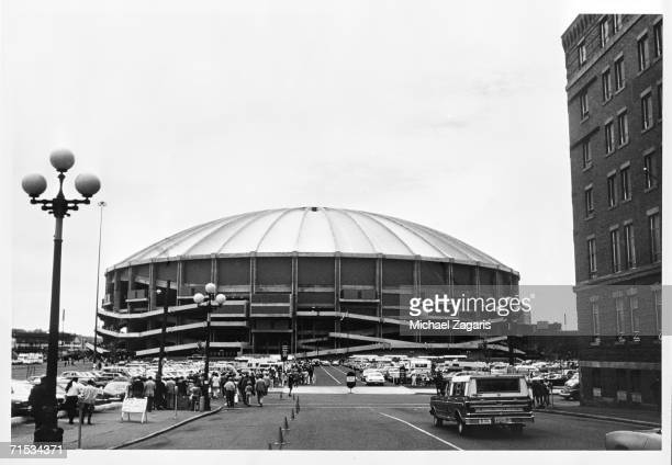 The exterior of the Kingdome is shown before the San Francisco 49ers game against the Seattle Seahawks on September 26 1976 in Seattle Washington The...