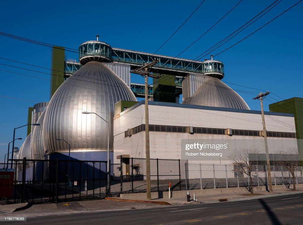 "New York""u2019s Newtown Creek Wastewater Treatment Plant : News Photo"