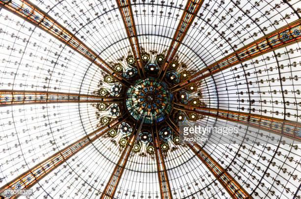 the eye of paris - dôme photos et images de collection