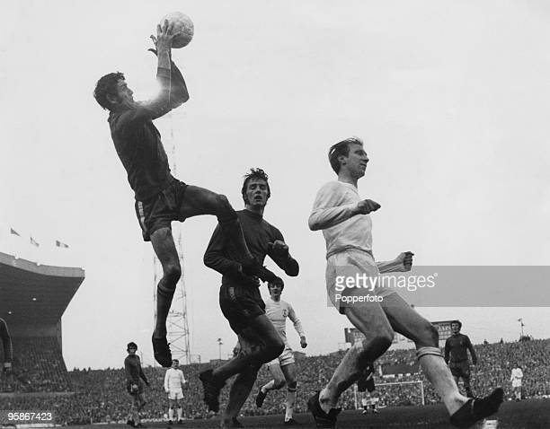 The FA Cup Final replay between Chelsea and Leeds United at Old Trafford 29th April 1970 Chelsea won 21 Chelsea's Peter Bonetti catches the ball...