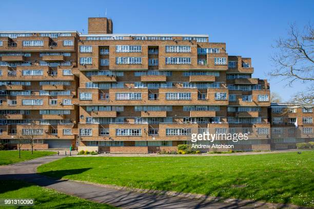 The facade of Dawsons Heights Dulwich London United Kingdom Built between 1968 and 1972 Dawsons Heights was designed by Kate Macintosh as part of the...