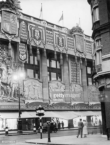 The facade of Selfridges store in Oxford Street, London . August 1937.