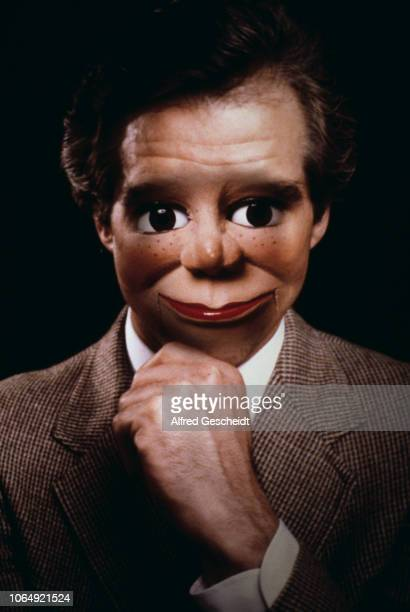 The face of a dummy superimposed on a welldressed man US 1981