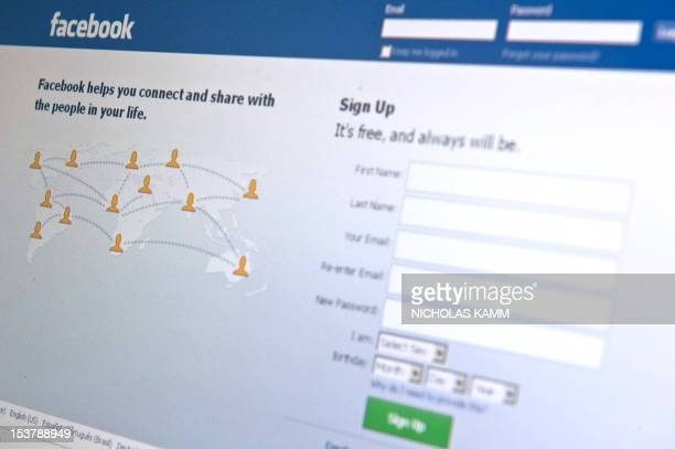 The Facebook homepage appears on a computer screen in Washington on August 30, 2010. AFP PHOTO/Nicholas KAMM
