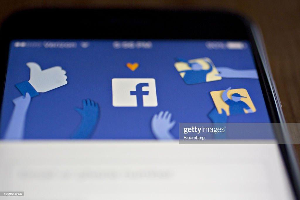 Facebook App And Logo As Crisis Reignites Washington Scrutiny Of Social Networks : News Photo