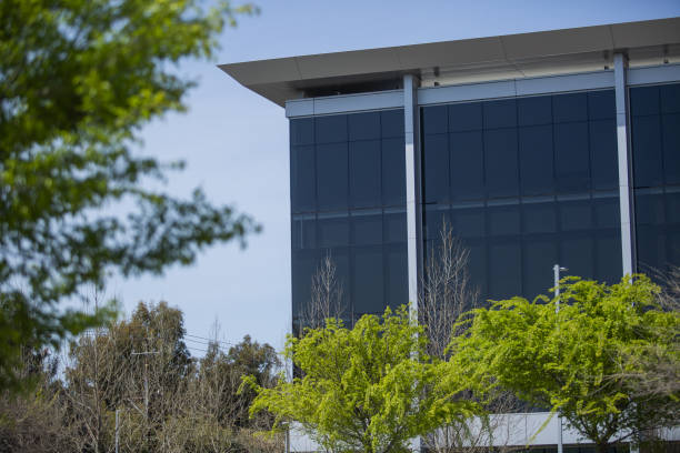 CA: Facebook Turns Part Of Headquarters Campus Into A Vaccine Site