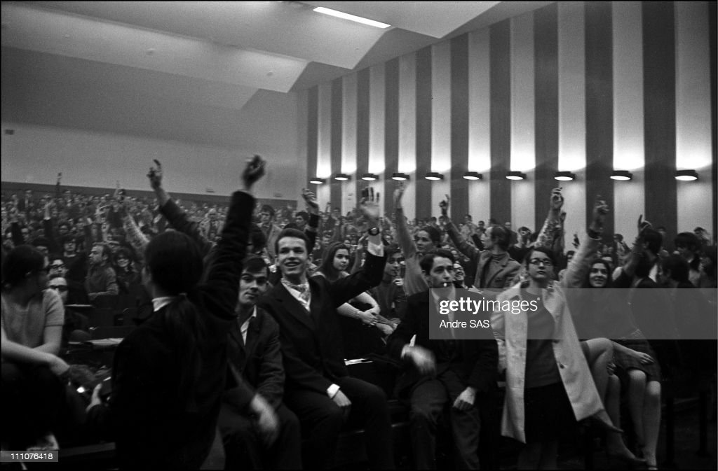 The faculty of Nanterre in Nanterre, France in 1968. : News Photo