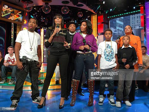 The family cast of Run's House JoJo Simmons Vanessa Simmons Reverend Run Simmons Angela Simmons Daniel Diggy Simmons Justine Simmons and Russel Russy...