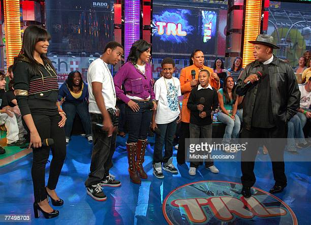 The Family cast of Run's House Vanessa Simmons JoJo Simmons Angela Simmons Daniel Diggy Simmons Justine Simmons Russel Russy Simmons and Reverend Run...