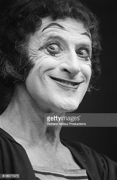 The famous French mime Marcel Marceau performs at the Porte Saint Martin theater in Paris