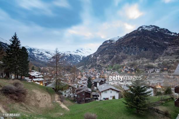 the famous town of zermatt, valais canton, switzerland, 2018 - zermatt stock pictures, royalty-free photos & images