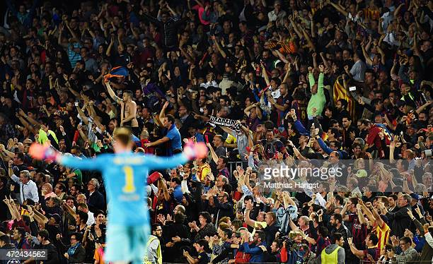 The fans of Barcelona celebrate a goal during the UEFA Champions League Semi Final first leg match between FC Barcelona and FC Bayern Muenchen at...