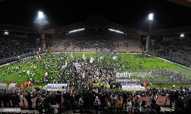 The fans of Juventus celebrate the victory after the Serie A match between Cagliari Calcio and Juventus FC at Stadio Nereo Rocco on May 6 2012 in...